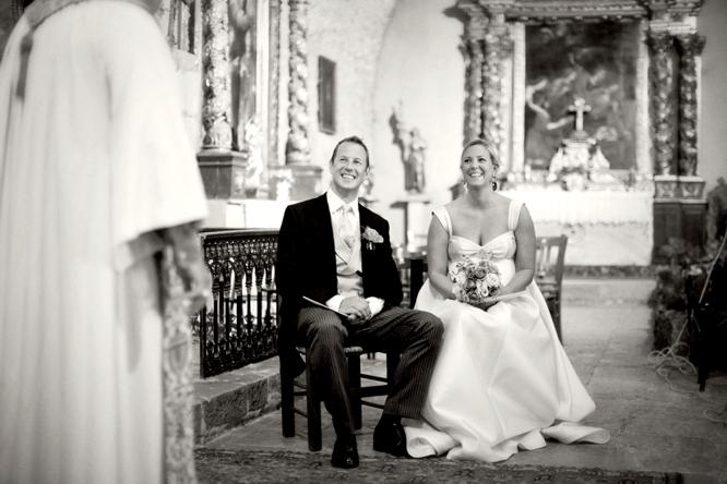 wedding-photographer-france-caught-the-light-wedding-photos-natural-wedding-photos--23