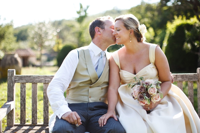 wedding-photographer-france-caught-the-light-wedding-photos-natural-wedding-photos--34
