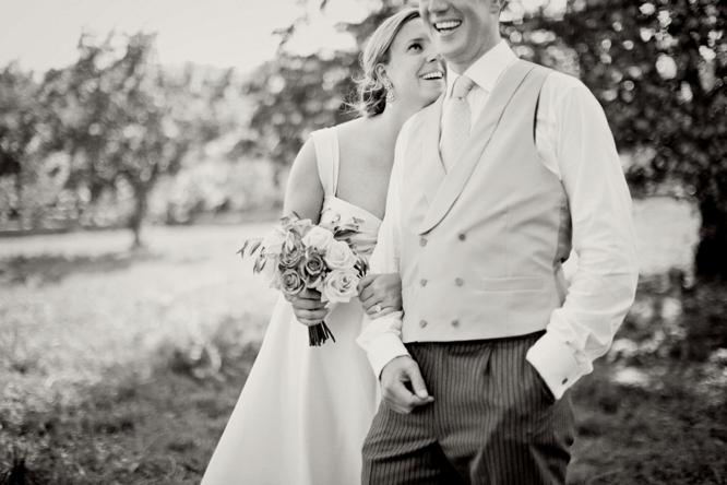 wedding-photographer-france-caught-the-light-wedding-photos-natural-wedding-photos--38