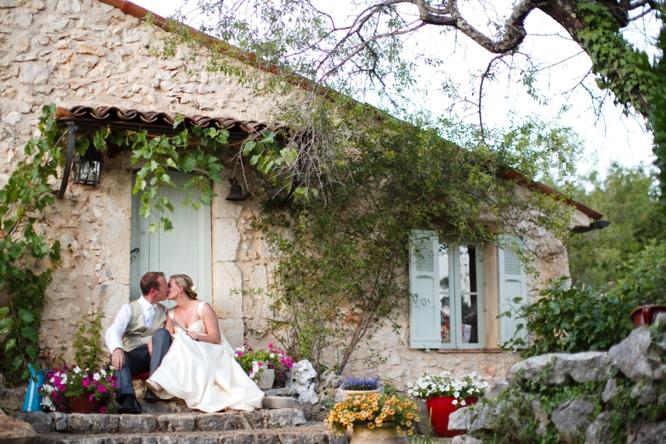 wedding-photographer-france-caught-the-light-wedding-photos-natural-wedding-photos--79